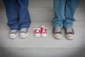 שלושה זוגות של נעליים