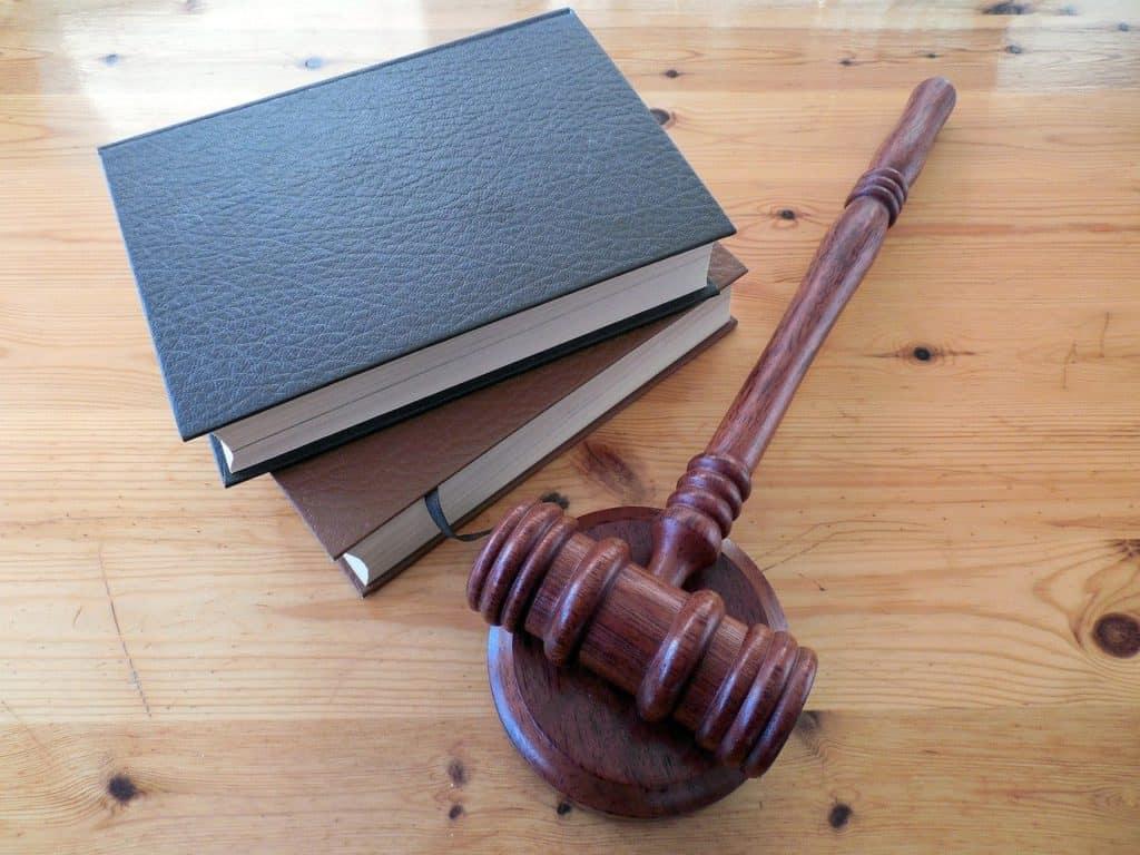 ציוד עורך דין